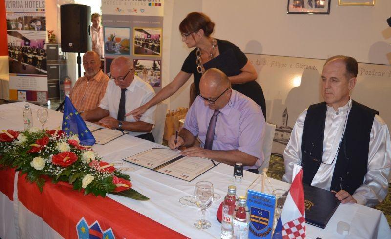 Potpisan sporazum o partnerstvu između grada Mohača i Općine Sveti Filip i Jakov