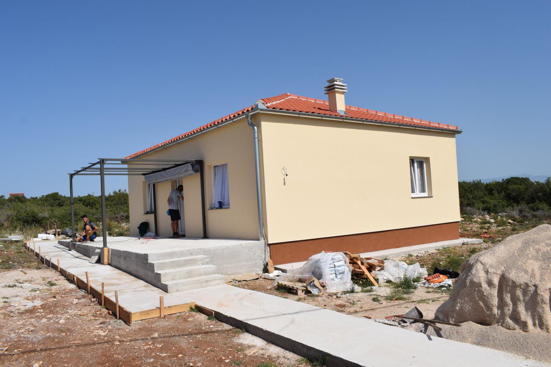 Suradnjom Crvenog križa Biograd i Općine Sv. Filip i Jakov sagrađen novi dom za obitelj Persola