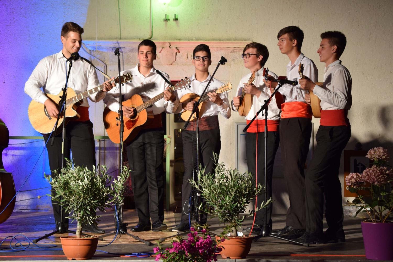 """Održana tradicionalna folklorna večer """"Bonaca mi spokoj daje"""" u Turnju"""