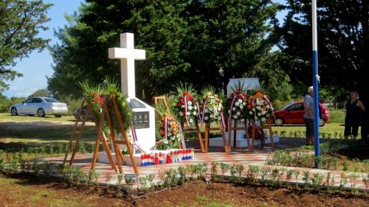 SIKOVO: Otkrivanje spomenika podignutog u čast poginulim hrvatskim braniteljima