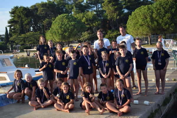 Natjecanje u plivanju u Sv. Filipu i Jakovu
