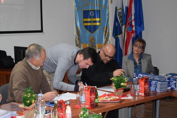 Općina Sv. Filip i Jakov dodijelila stipendije za 37 redovnih studenata