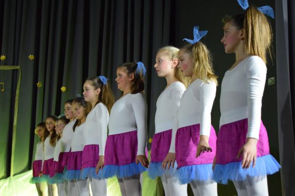 "U Sv. Filipu i Jakovu održan ""Božićni prvi ples"""