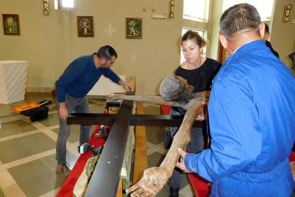 U župnoj crkvi Sv. Filipa i Jakova zamjenjen križ Rogovskog raspela