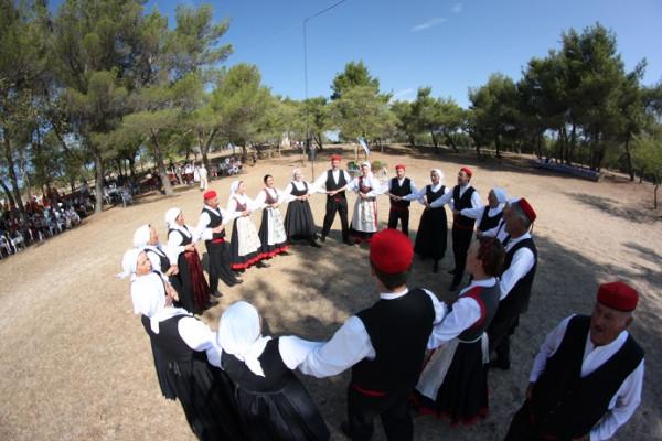 Lito folklora u Svetomu Filipu i Jakovu ponovno je dom Hrvata čiji su zaštitnici mjesta Sveti Filip i Jakov
