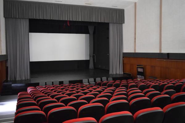 """Udruga """"Super 8"""" iz Sv. Filip i Jakova – ljubitelji filma uspješno vode programe najstarijeg aktivnog kina u županiji"""